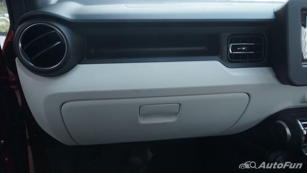 Suzuki Ignis GX AGS Interior 017