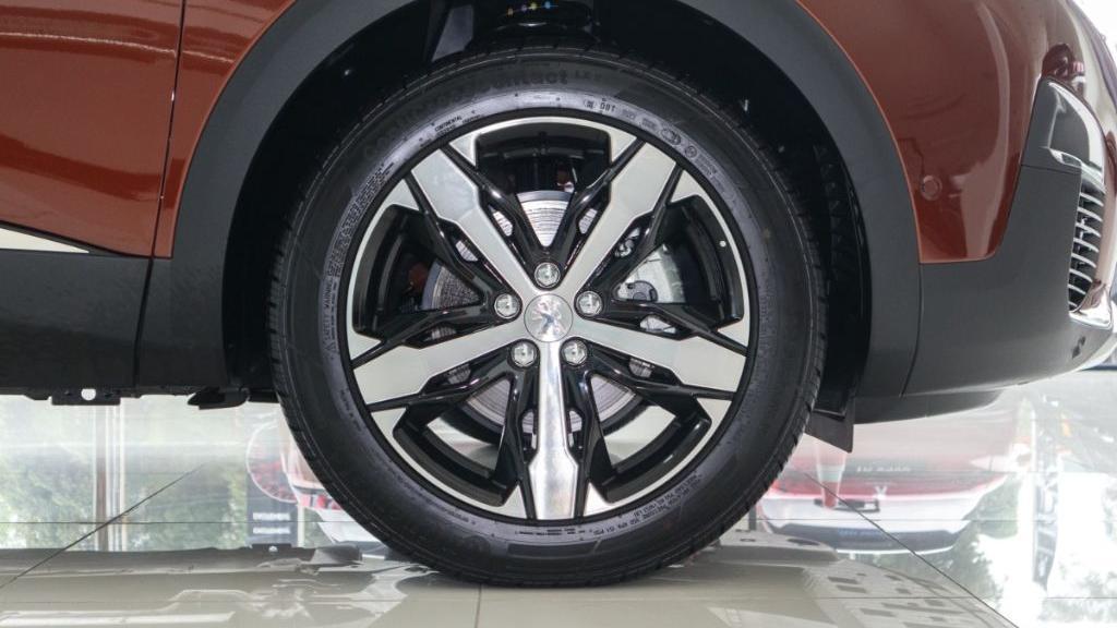 Peugeot 3008 2019 Exterior 025