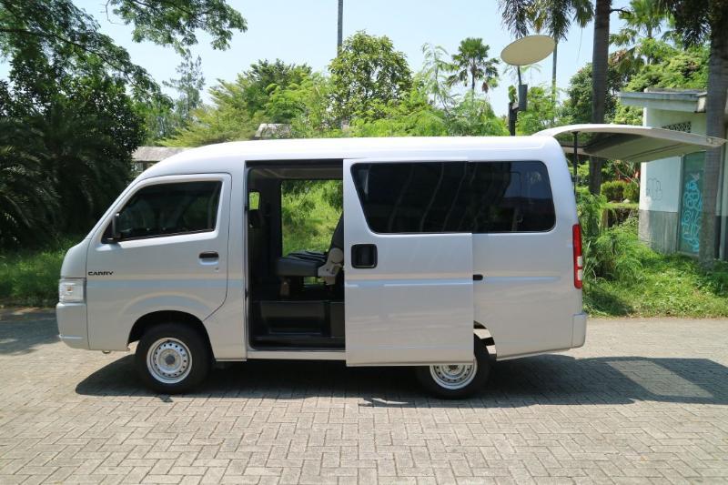 Harga Suzuki Carry Minibus 2021 Tembus Rp 262 Juta, Mending Beli Daihatsu Luxio atau Wuling Cortez? 02