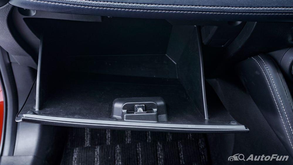 Mazda 2 GT AT Interior 036