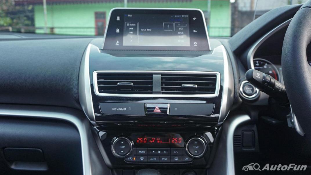 Mitsubishi Eclipse Cross 1.5L Interior 025