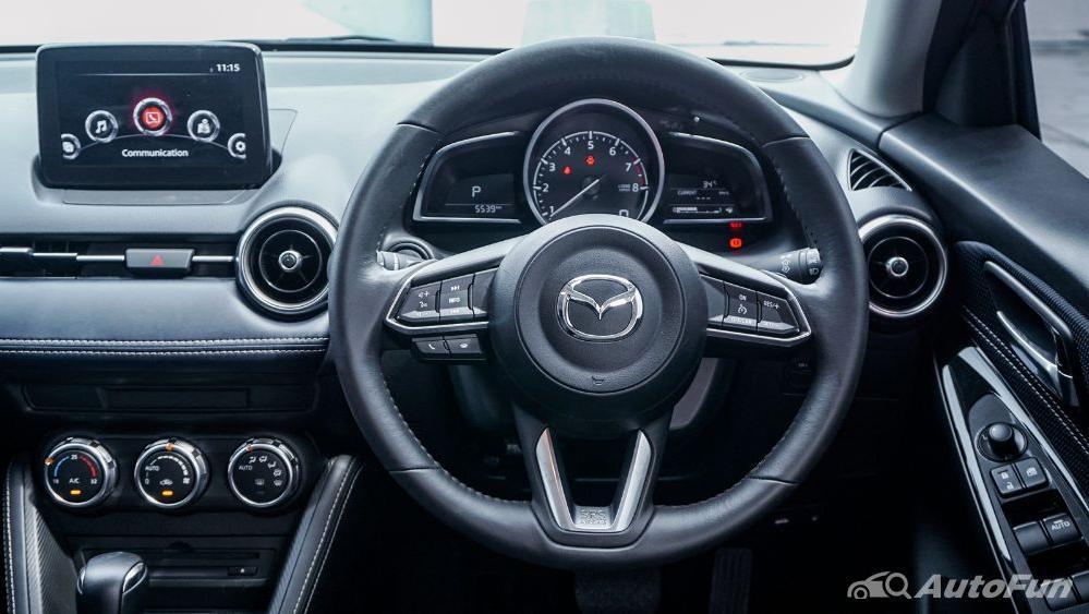 Mazda 2 GT AT Interior 005
