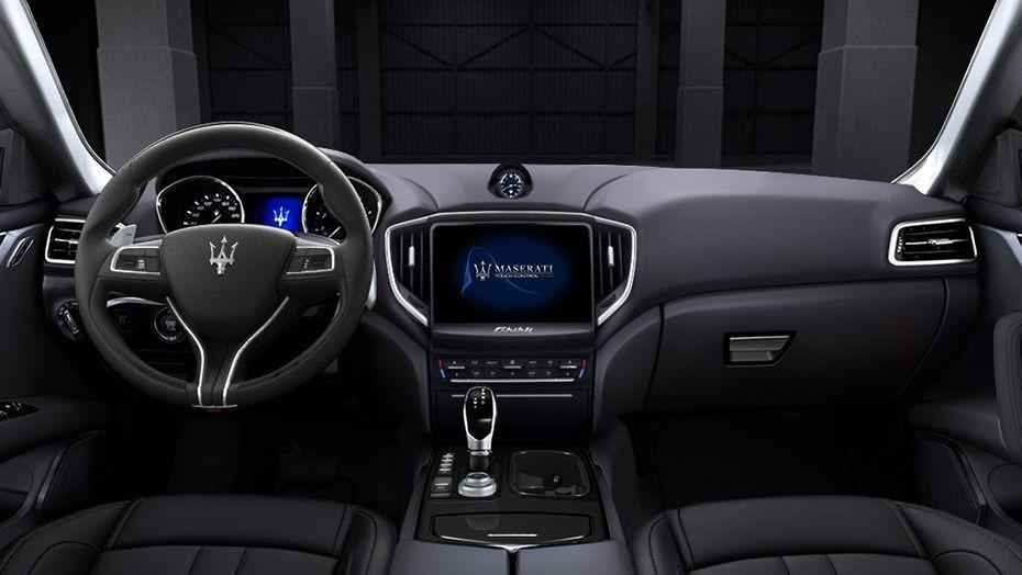 Maserati Ghibli 2019 Interior 001