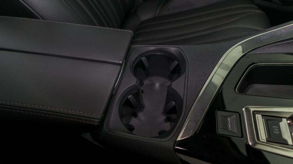 Peugeot 5008 2019 Interior 025