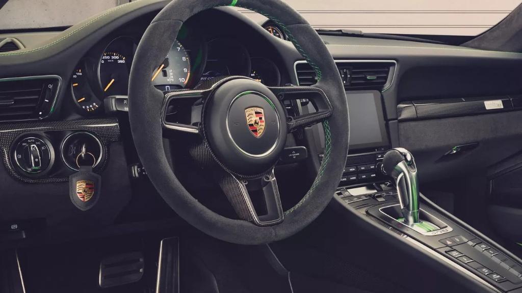 Porsche 911 2019 Interior 008