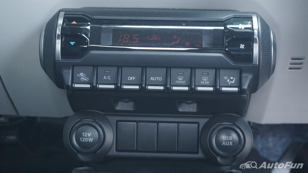 Suzuki Ignis GX AGS Interior 016