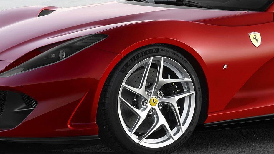 Ferrari 812 Superfast 2019 Exterior 009