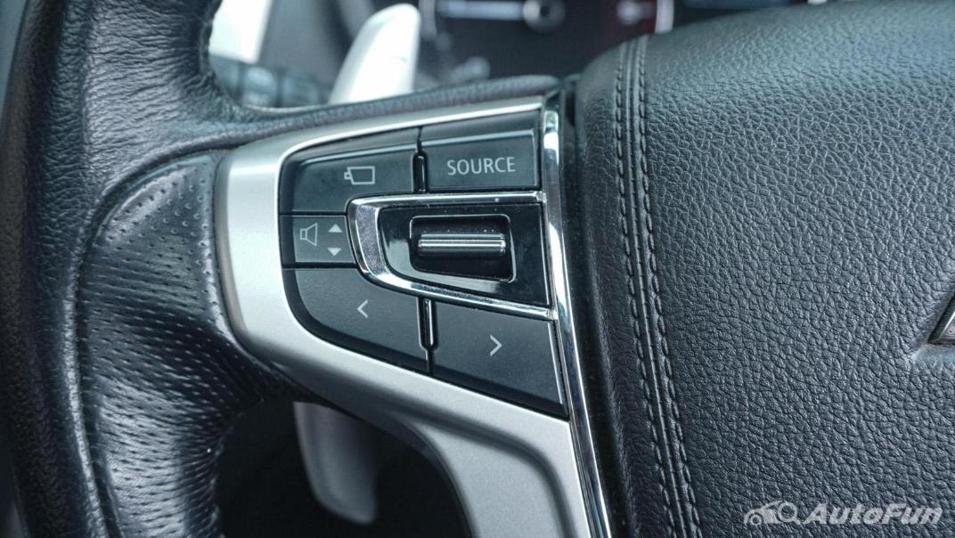 Mitsubishi Pajero Sport Dakar 4x4 AT Interior 012