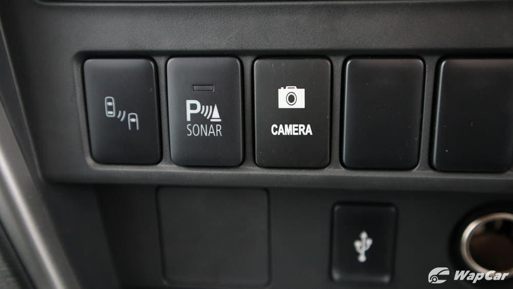 Mitsubishi Triton 2019 Interior 018