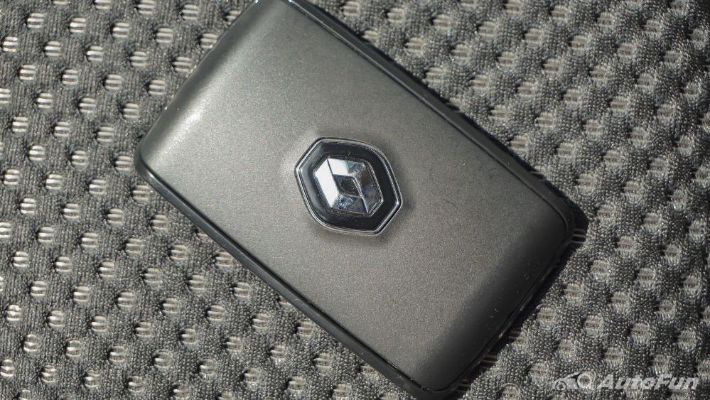 Renault Triber RXZ MT Others 005
