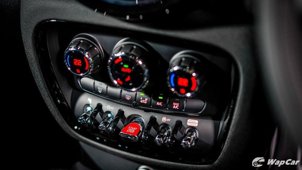 MINI Clubman 2019 Interior 011