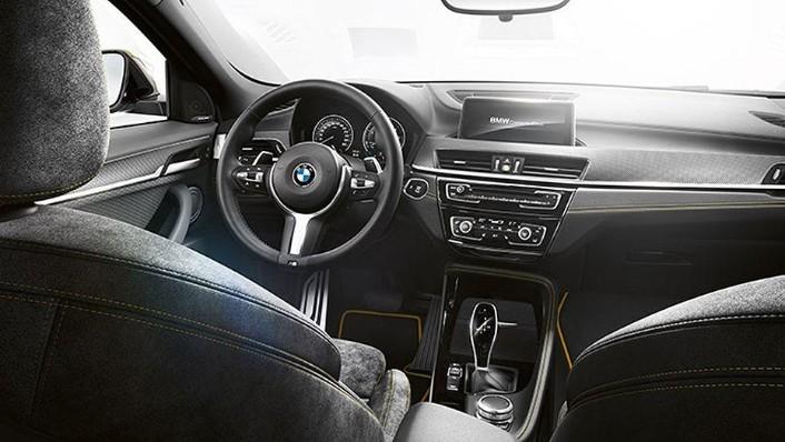 BMW X2 2019 Interior 001