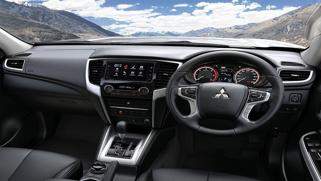 Mitsubishi Triton Exceed MT Double Cab 4WD Interior 001