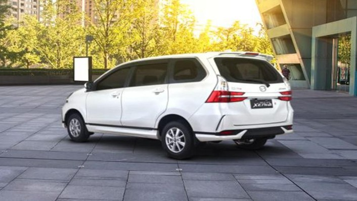 Daihatsu Grand Xenia 2019 Exterior 003