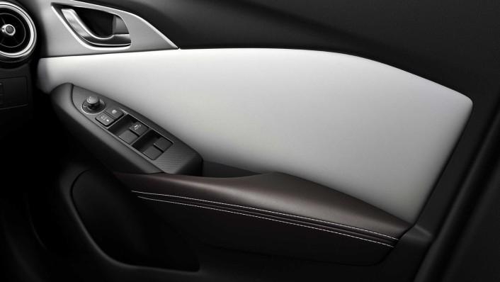 Mazda CX 3 2019 Interior 009
