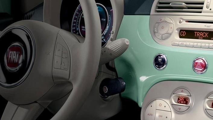 Fiat 500c 2019 Interior 007