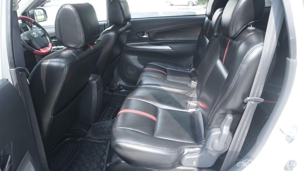 Toyota Avanza Veloz 1.3 MT Interior 041