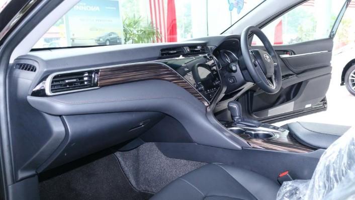 Toyota Camry 2019 Interior 003