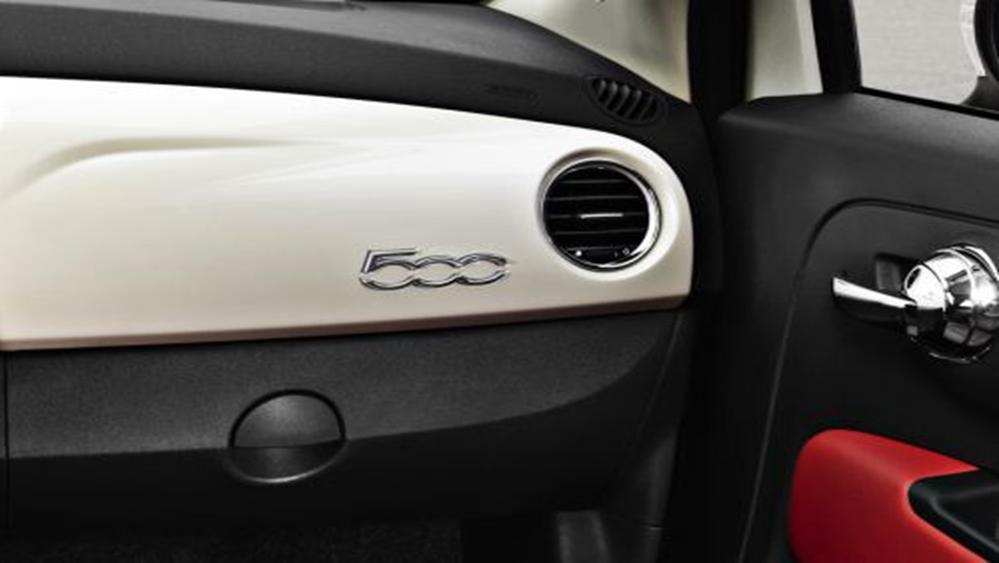 Fiat 500 2019 Interior 009