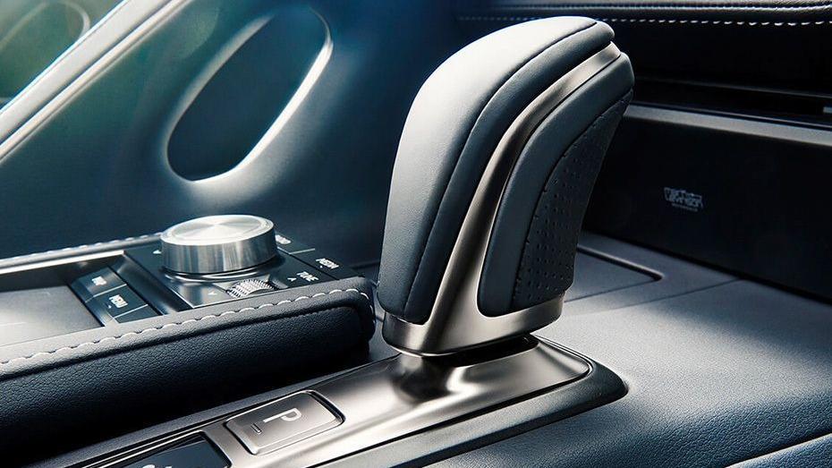 Lexus LC 2019 Interior 006