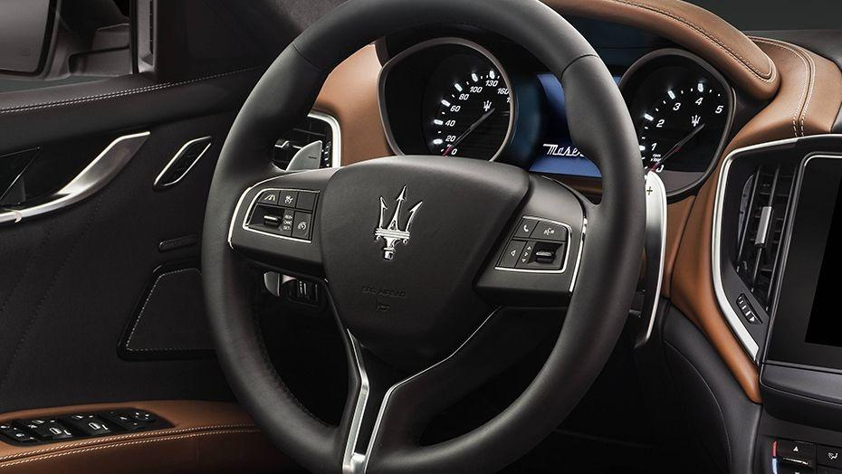 Maserati Ghibli 2019 Interior 002