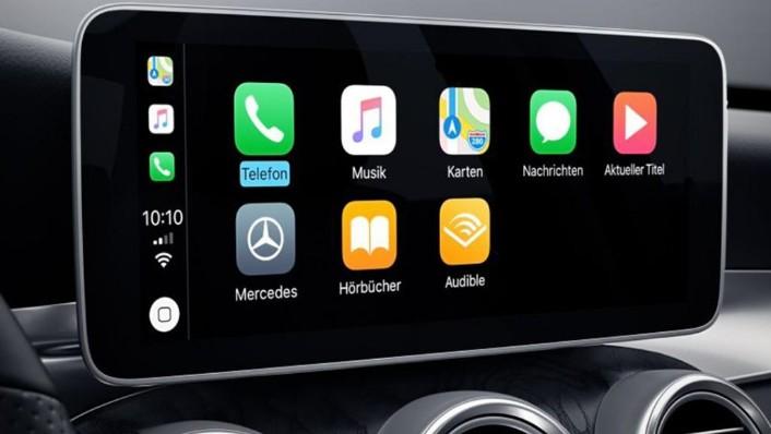 Mercedes-Benz C-Class 2019 Interior 003
