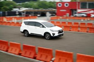 Toyota Kijang Innova 2021, Pilihan Ideal Mobil Keluarga Rp 300 Jutaan?
