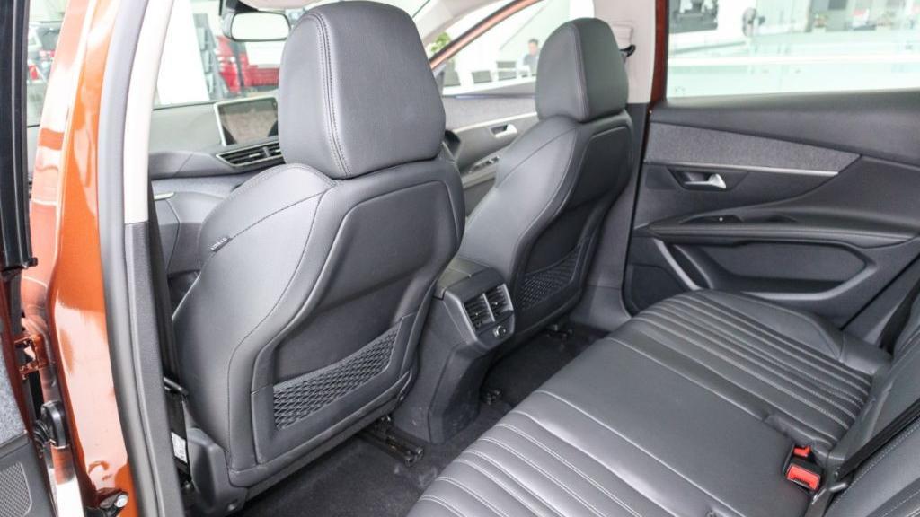 Peugeot 3008 2019 Interior 038