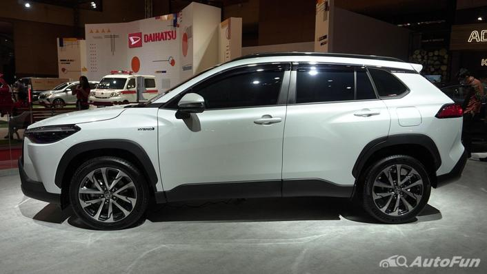2021 Toyota Corolla Cross Exterior 006