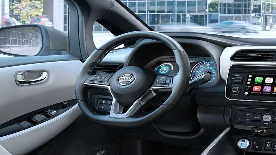 Nissan Leaf 2019 Interior 002