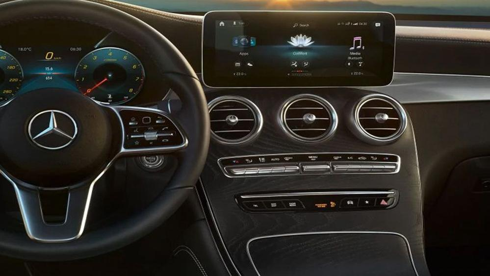 Mercedes-Benz GLC-Class 2019 Interior 003