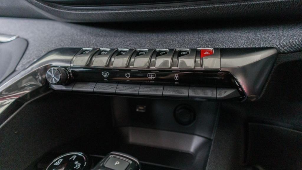 Peugeot 5008 2019 Interior 019