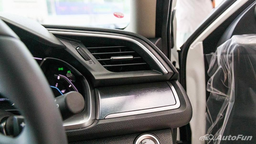 Honda Civic 2019 Interior 019