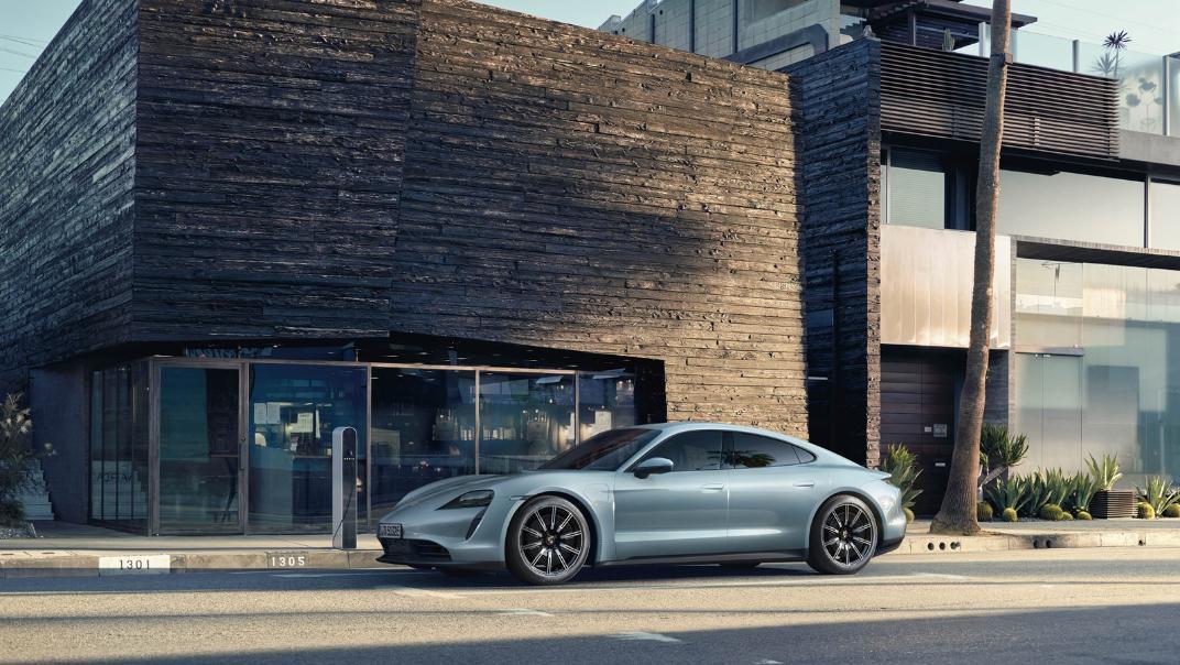 2021 Porsche Taycan Exterior 016