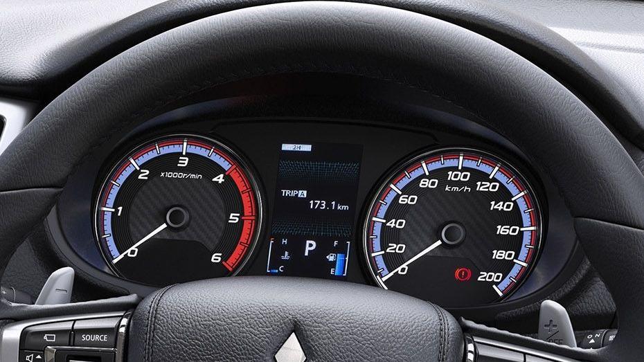 Mitsubishi Triton 2019 Interior 048