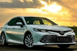 Pengalaman Berkendara Toyota Camry VS Honda Accord