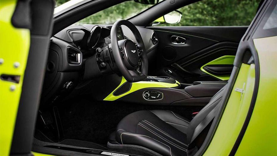 Aston Martin Vantage 2019 Interior 001