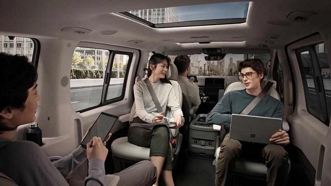 2021 Hyundai Staria Interior 004