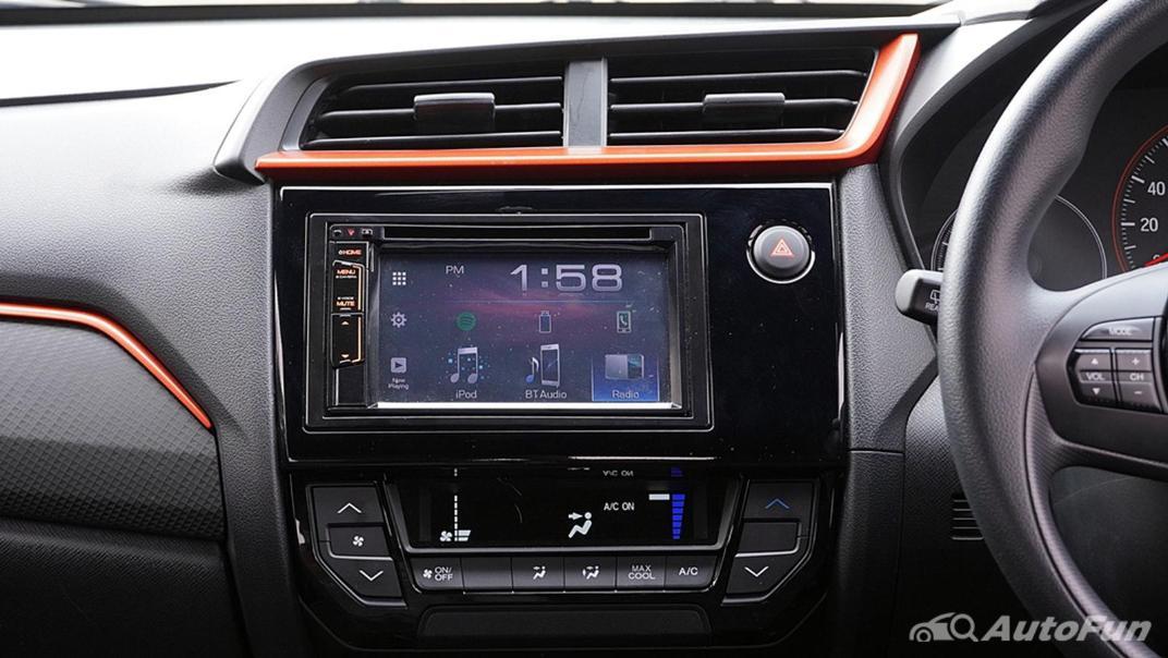 Honda Brio RS CVT Interior 011