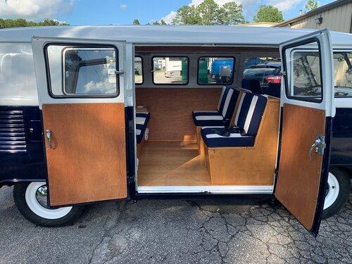 Hasil Restorasi Volkswagen Type II 1965 ini seharga 5 unit Toyota Avanza 02