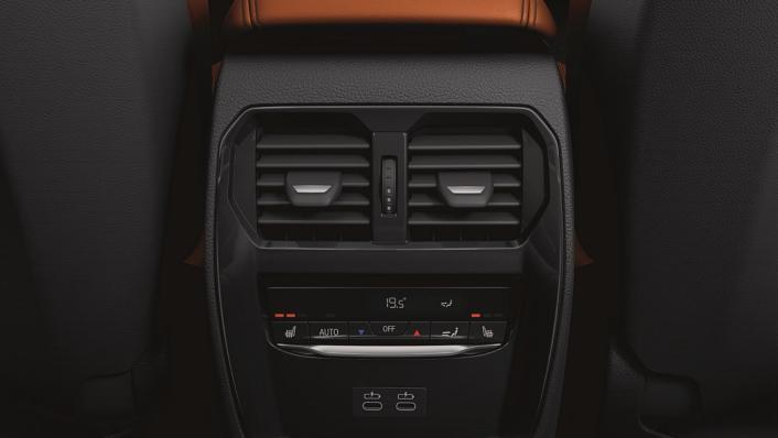 2021 BMW M3 Competition Interior 009