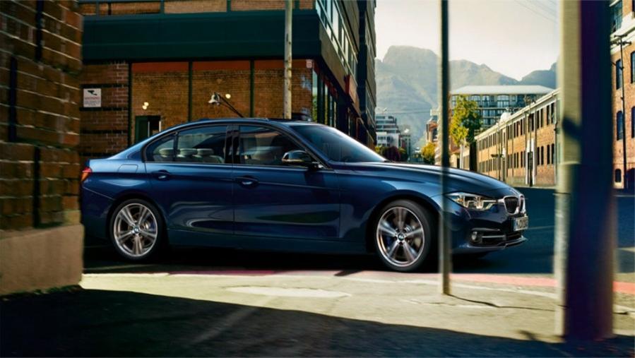 BMW 3 Series Sedan 2019 Exterior 006