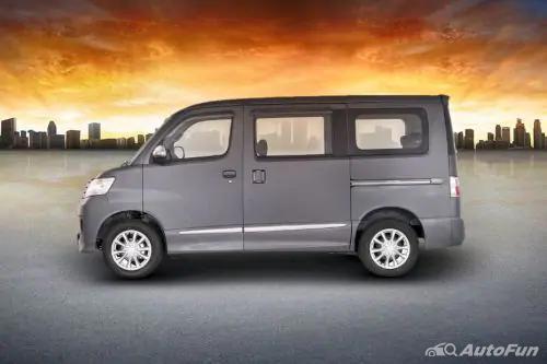 Samping Daihatsu Luxio