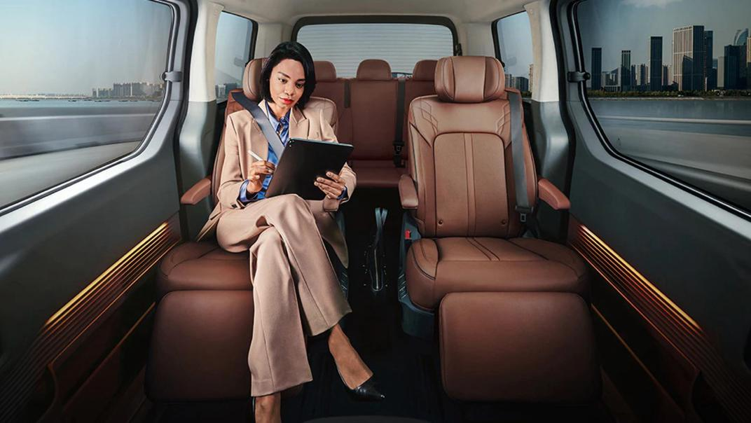 2021 Hyundai Staria Interior 003
