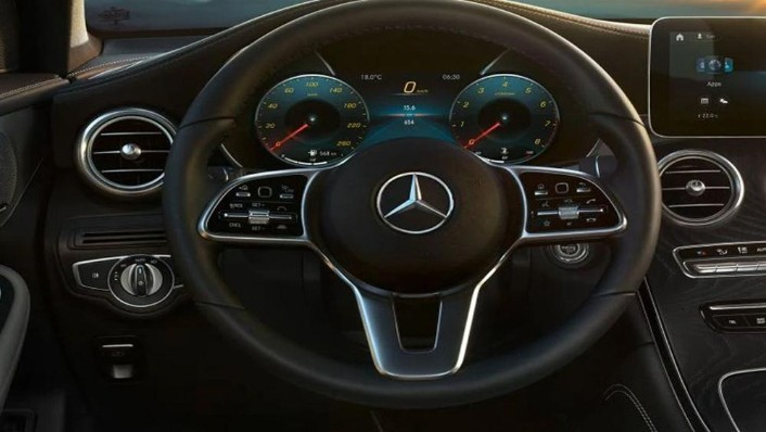 Mercedes-Benz GLC-Class 2019 Interior 002