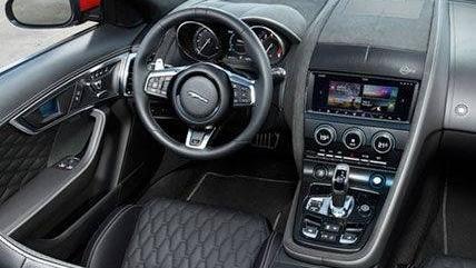 Jaguar F-TYPE 2019 Interior 002