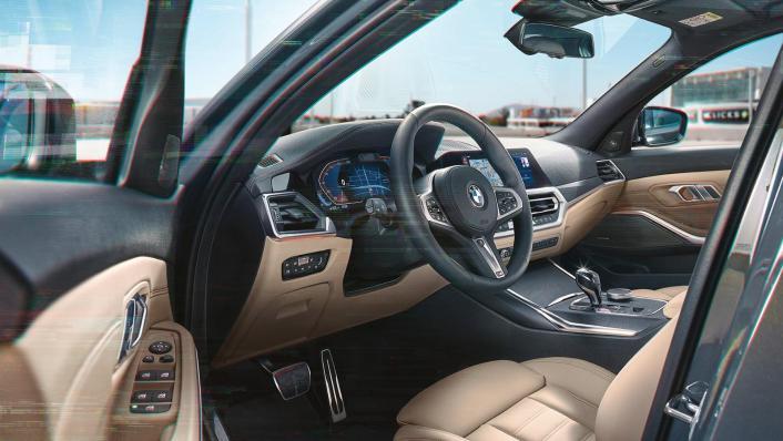 BMW 320i Touring M Sport Interior 002