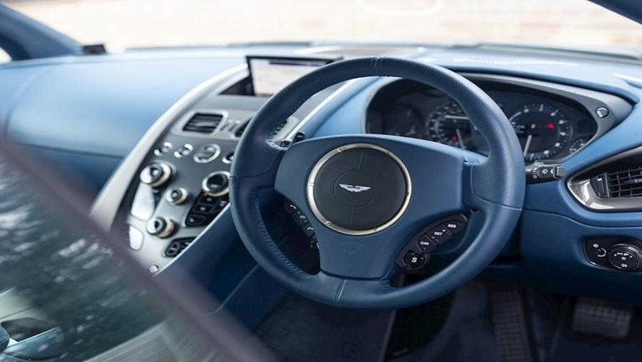 Aston Martin Vanquish 2019 Interior 001