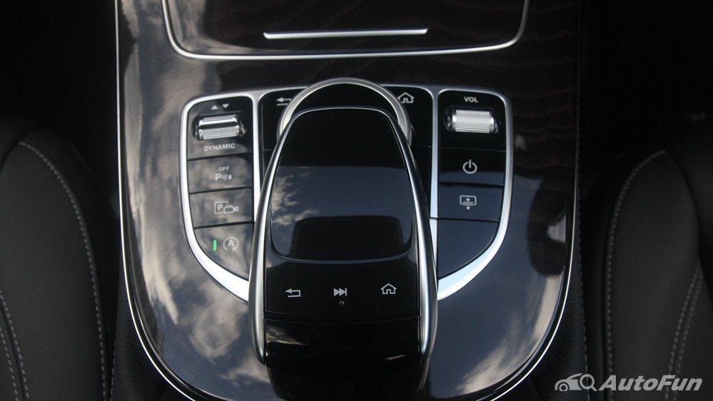 Mercedes-Benz E-Class 2019 Interior 021