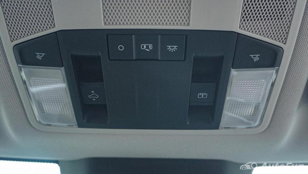 Mitsubishi Eclipse Cross 1.5L Interior 070